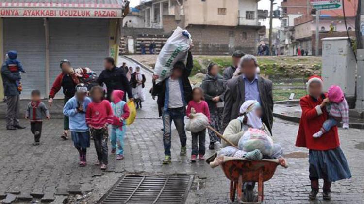 Operasyonların sürdüğü Cizre'den vatandaşlar kaçıyor