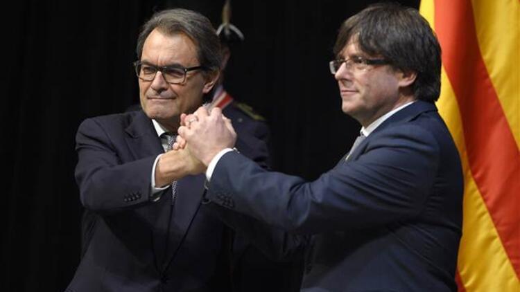 Katalonya Başkanı göreve Nazım'ın şiiriyle başladı