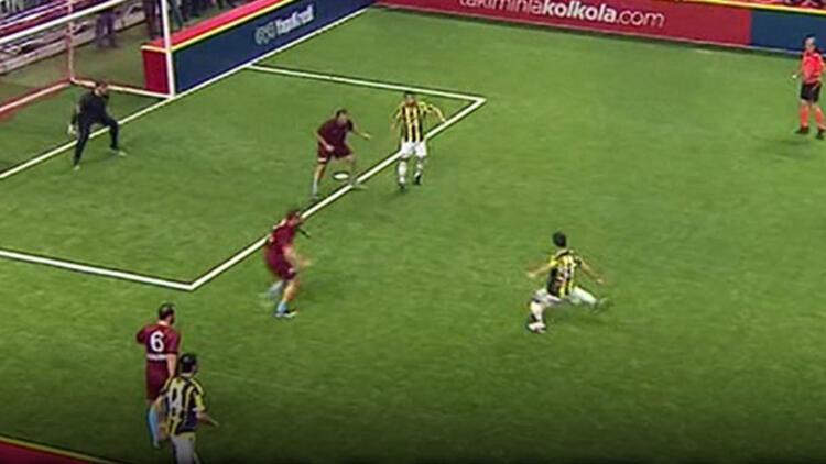 Fenerbahçe, Trabzonspor'u 9-3 yenip finale çıktı