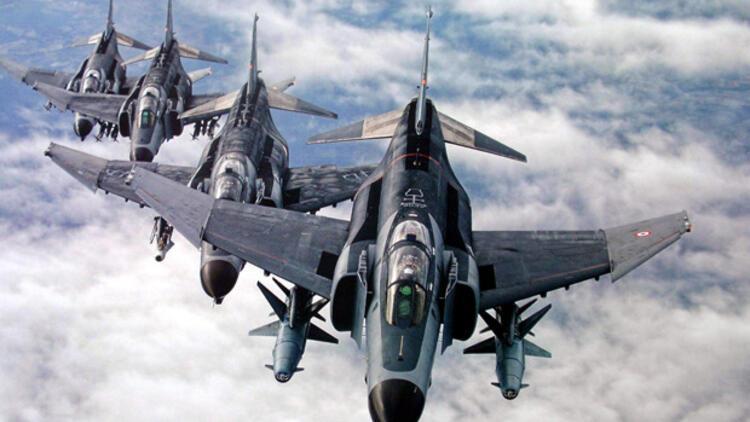 Türkiye 40 savaş uçağıyla Kandili vurdu