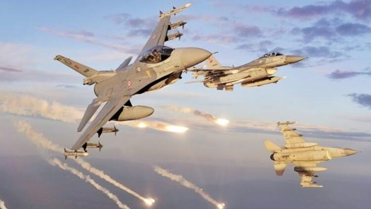 Kuzey Irak'a ikinci operasyonda24 uçakla 4 PKK kampı vuruldu