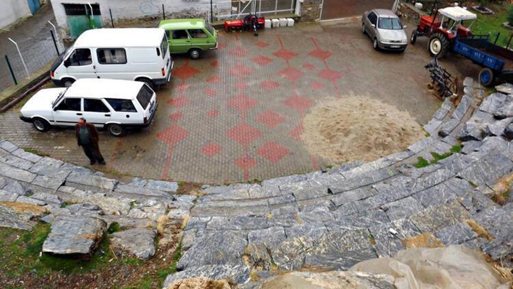 Muğla'da Kyon Antik Tiyatrosu içindeki otopark kaldırıldı