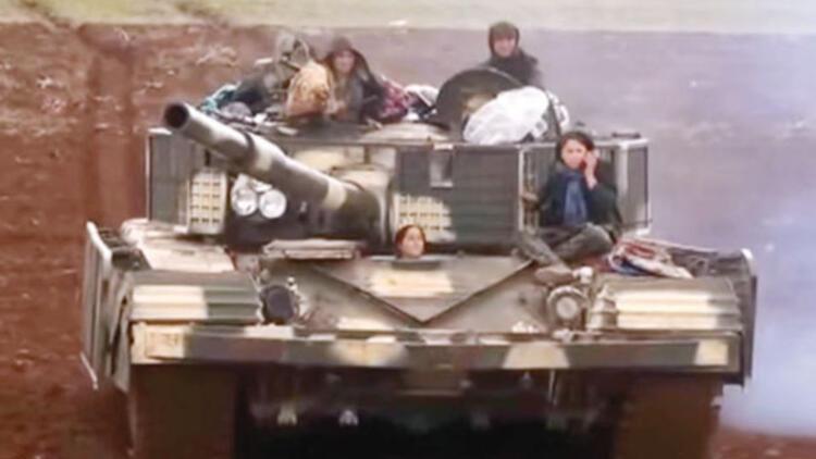 YPG kritik Miniğ Hava Üssü'nü ele geçirdi, Azez'e yöneldi