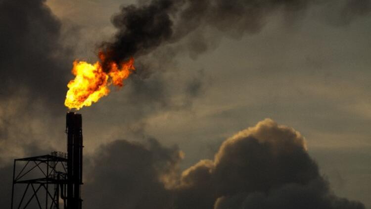 Petrolde iflas konuşulurken, İrandan destek geldi