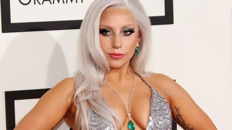 Lady Gaga'nın Türk malı bornozu