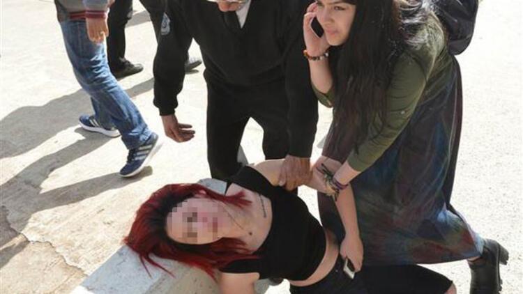 Üniversitedeki 8 Mart etkinliğinde kadına şiddet