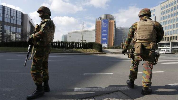 Brüksel'deki terör saldırılarının ardından Türk mahallesine baskın