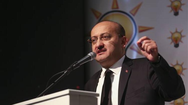 Akdoğan: Bu kadar darbe oldu ama en tehlikesi 17 Aralıktı