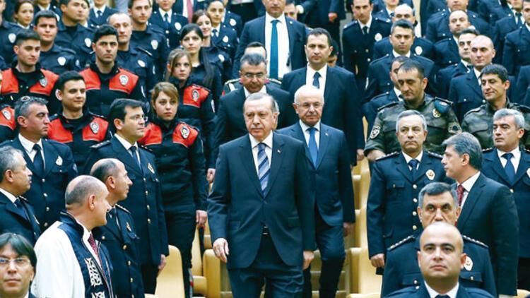 Cumhurbaşkanı Erdoğan: Yeniden yapılanma sürecine girdik yerli-milli polis