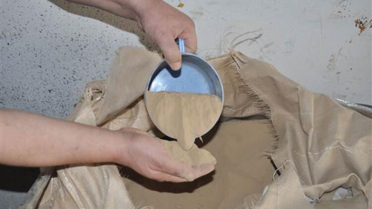 Çin'den sipariş edilen poliüretan yerine toprak geldi
