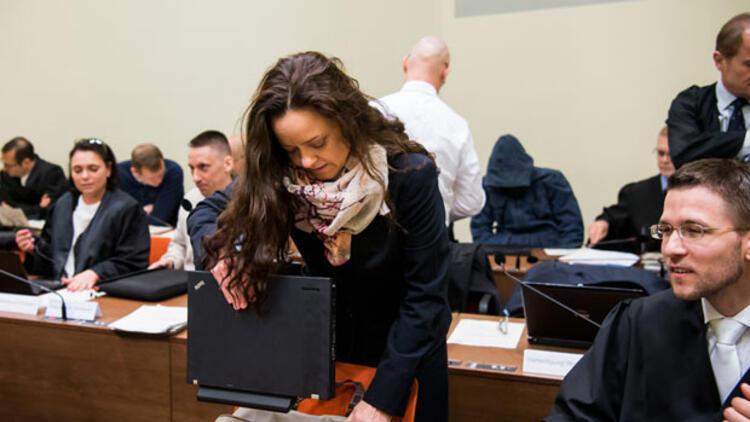 Zschaepe'nin avukatı, davanın durdurulması talebinde bulundu