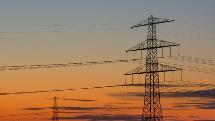 Elektrik ne kadar hızlı akıyor?
