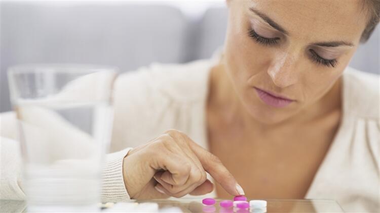 Doğum kontrol hapı kullananlarda baş ağrısı olur mu?