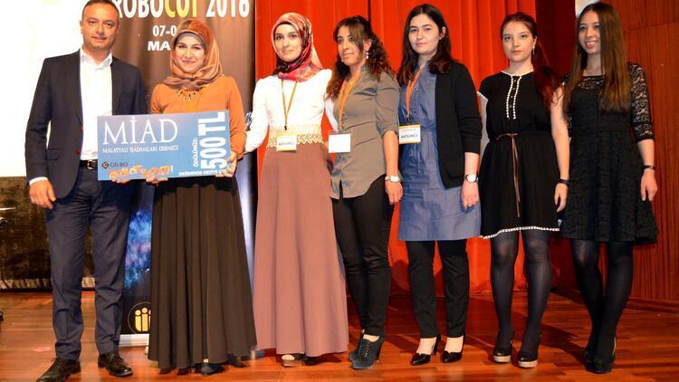 ROBOCOT 2016'da dereceye giren robotlar ödülünü aldı