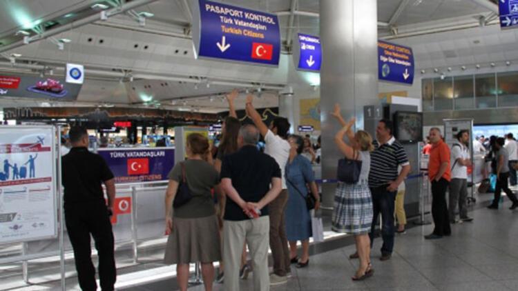 Sahte pasaportla umreye gitmek istediler