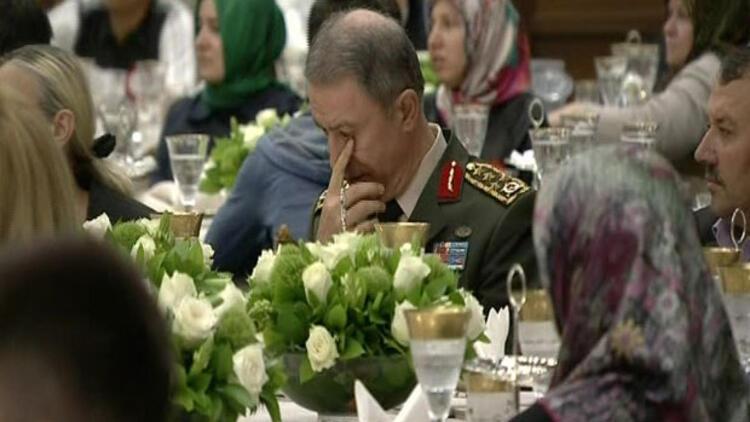 Erdoğan'ın sözleri Genelkurmay Başkanı Hulusi Akar'ı duygulandırdı
