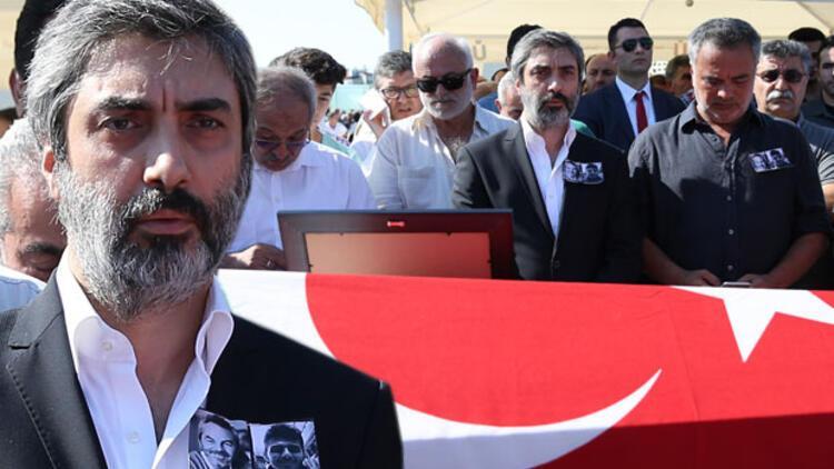 """Oyuncu Necati Şaşmaz: """"Demokrasiye herkes sahip çıkmalı"""