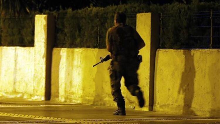 Darbeci askerler bordo bereli askerleri böyle kandırmış