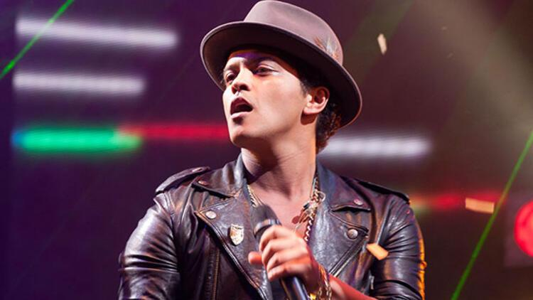 Bruno Mars'a şov başına 3 milyon TL