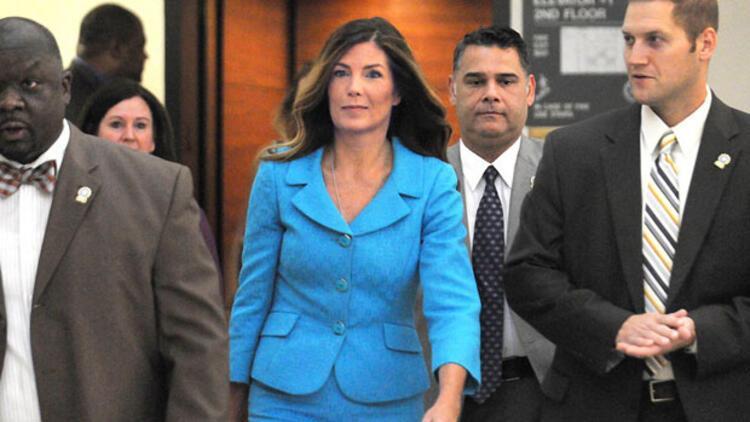 Basına gizli bilgi sızdırmakla suçlanan Pensilvanya Başsavcısı hapse girebilir