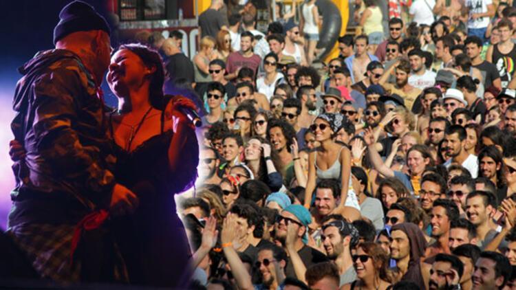 Bir 'rock'n roll tatili'nden manzaralar: Zeytinli Rock Festivali