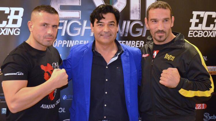 Türk boks tarihinin ilk ve tek dünya şampiyonu ringe çıkıyor