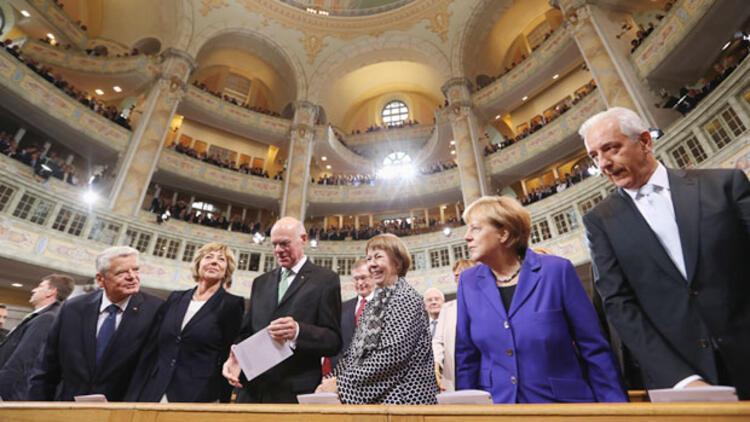 Dresden'de 3 Ekim kutlamaları gergin başladı