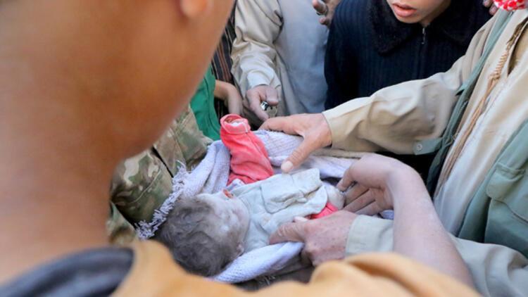 Beyaz Baretliler: Halep'te hava saldırısında bir aileden 14 kişi öldü