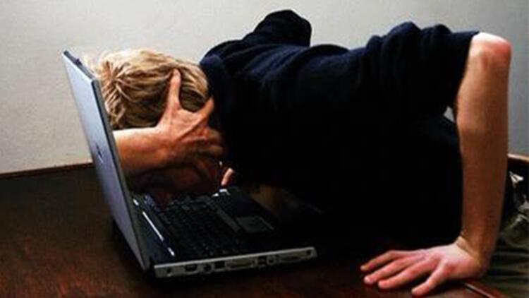 Cebimizdeki bağımlılık: İnternet - Kampüs Haberleri