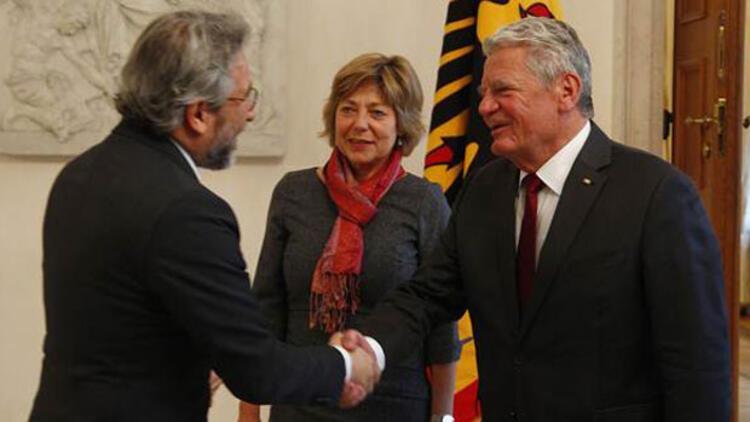 Almanya Cumhurbaşkanı Gauck, Can Dündar ile görüştü