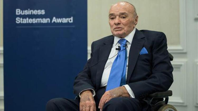 Şarık Tara'ya Dünya Ekonomik Forumu'ndan Ödül