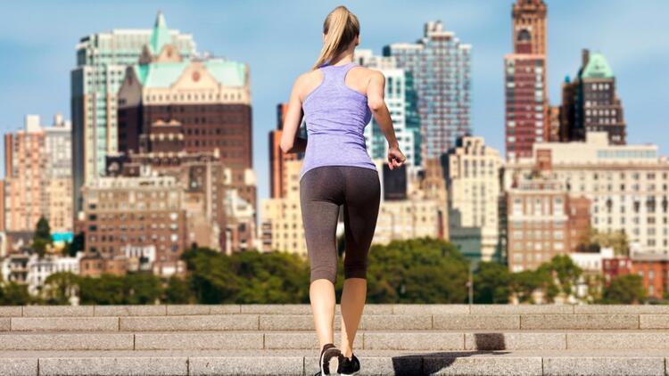 Her yerde yapabileceğiniz, en kolay spor: Merdiven çıkmak!