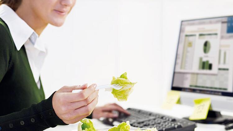 Ofiste sağlıklı beslenmenin yolları