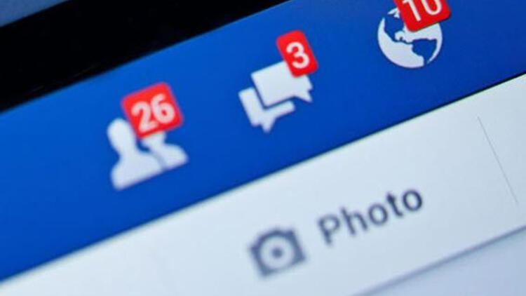 Facebook'tan kullanıcıları şaşkına çeviren hata