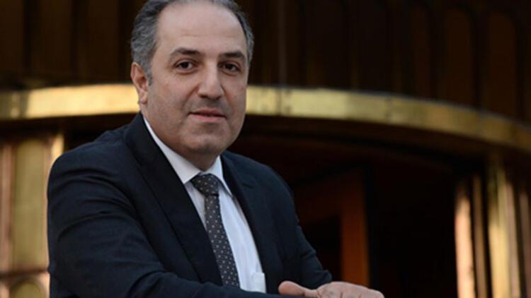 TBMM İnsan Hakları Komisyonu Başkanı ve AK Parti İstanbul Milletvekili Mustafa Yeneroğlu:Yılbaşı kutlayana karşı çıkana önce ben karşı çıkarım