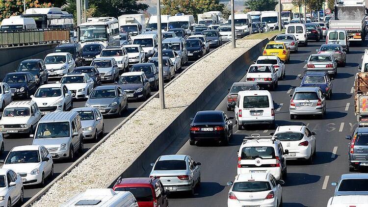 Trafiğe kayıtlı araç sayısı kasımda 21 milyonu aştı