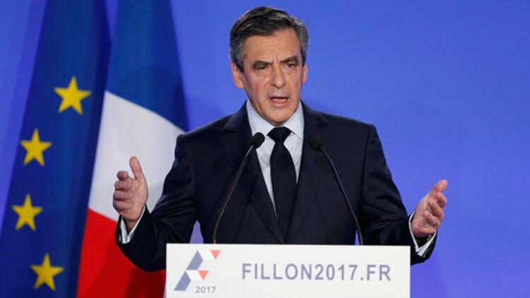 Fillon, adaylıktan çekilmeyeceğini açıkladı
