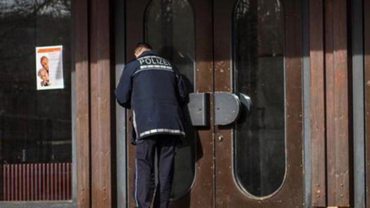 Almanyada belediye Bakan Bozdağın katılacağı toplantıyı iptal etti