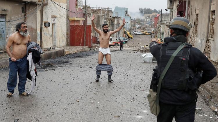 Musul'da canlı bomba alarmı!