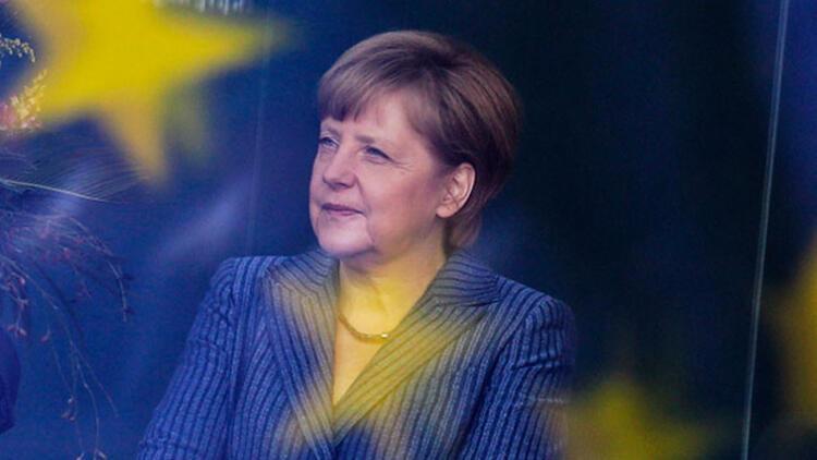 Merkel ilk kez konuştu, Hollanda'ya destek verdi!