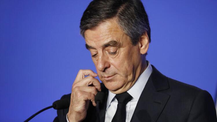 Cumhurbaşkanı adayı Fillon'a dava açıldı