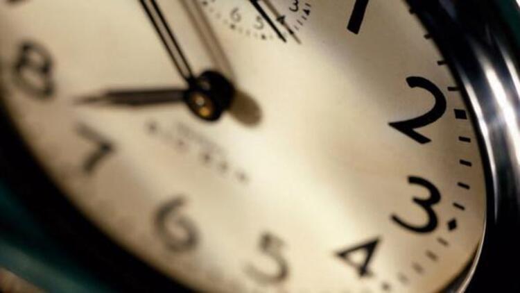 Yaz saati uygulaması 2017'de yapılacak mı? Saatler ileri alınacak mı?