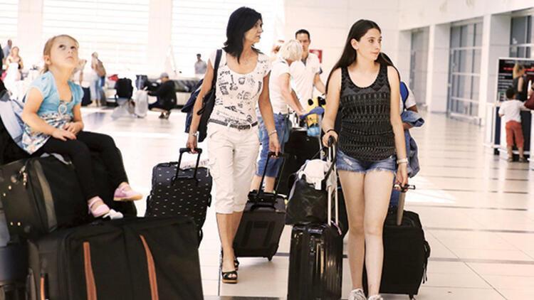 Turistler Türkiye'ye geri dönüyor