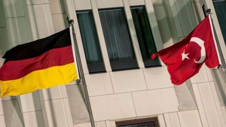 Türkiye ile Almanya arasında kriz... En alt seviyeye indirildi...