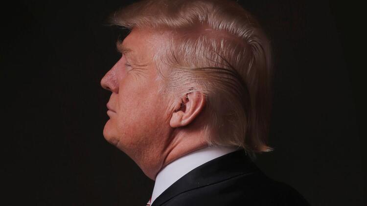 Trump sağ kolunu görevden aldı