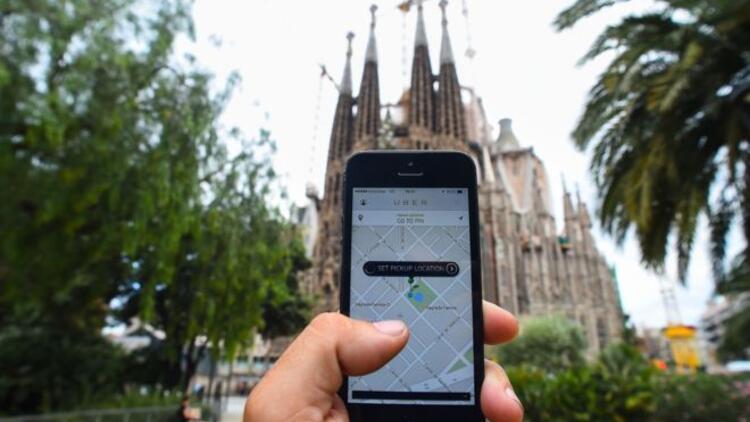Avrupa Adalet Divanı: Barcelonalı taksiciler haklı, Uber ruhsat almalı
