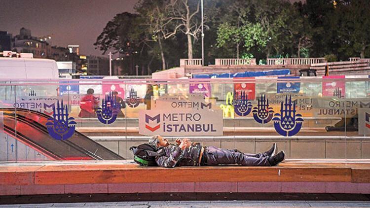 İstanbul'a 3 gün 3 gece en şanssızların, evsizlerin dünyasından baktık... Sokakta üç gece bana ne öğretti?