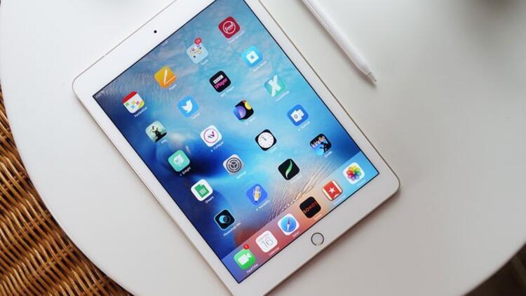 Apple'ın iPad Pro'sunu paramparça ettiler!