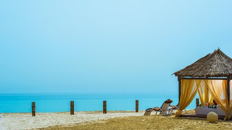 Katar çöllerinde gece yıldızların altında uyumak...