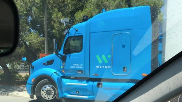 Google'ın dev kamyonu ilk kez görüntülendi!